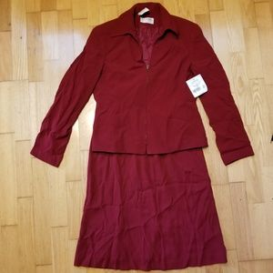 Gianni's Petite Golden Flame Chili Skirt Suit